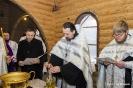Закладка капсулы с грамотой в алтаре вновь построенного храма Воздвижения Честного и Животворящего Креста Господня_5